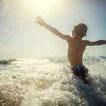 Vacances enfant à la mer en colonies
