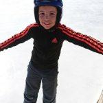 Enfant colonie hiver patinoire