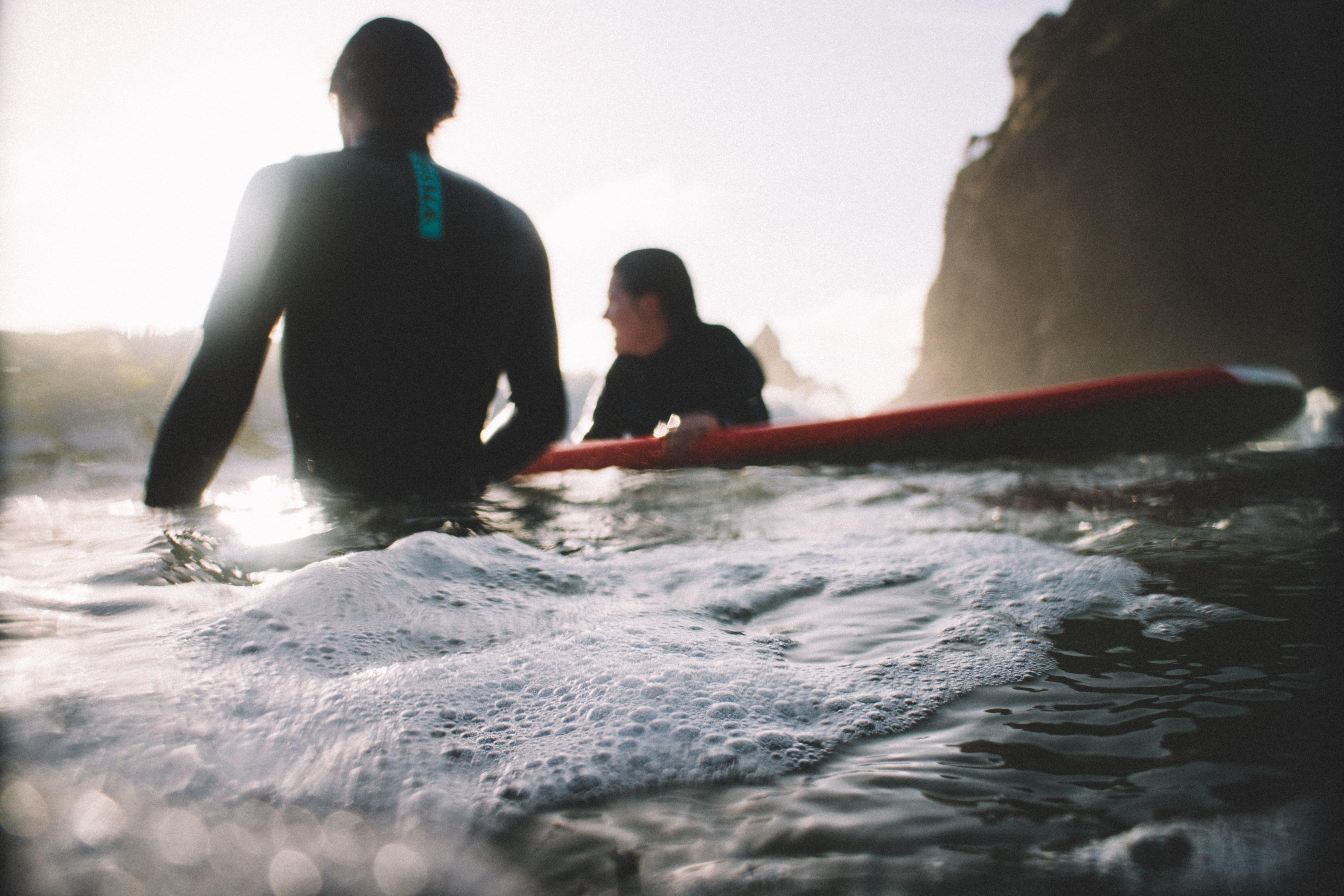 top 10 des raisons de se mettre au SURF avec Kolo Vacances colonies de vacances a la mer et a la montagne
