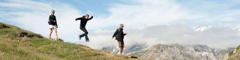 Randonnée montagne pour les jeunes en vacances